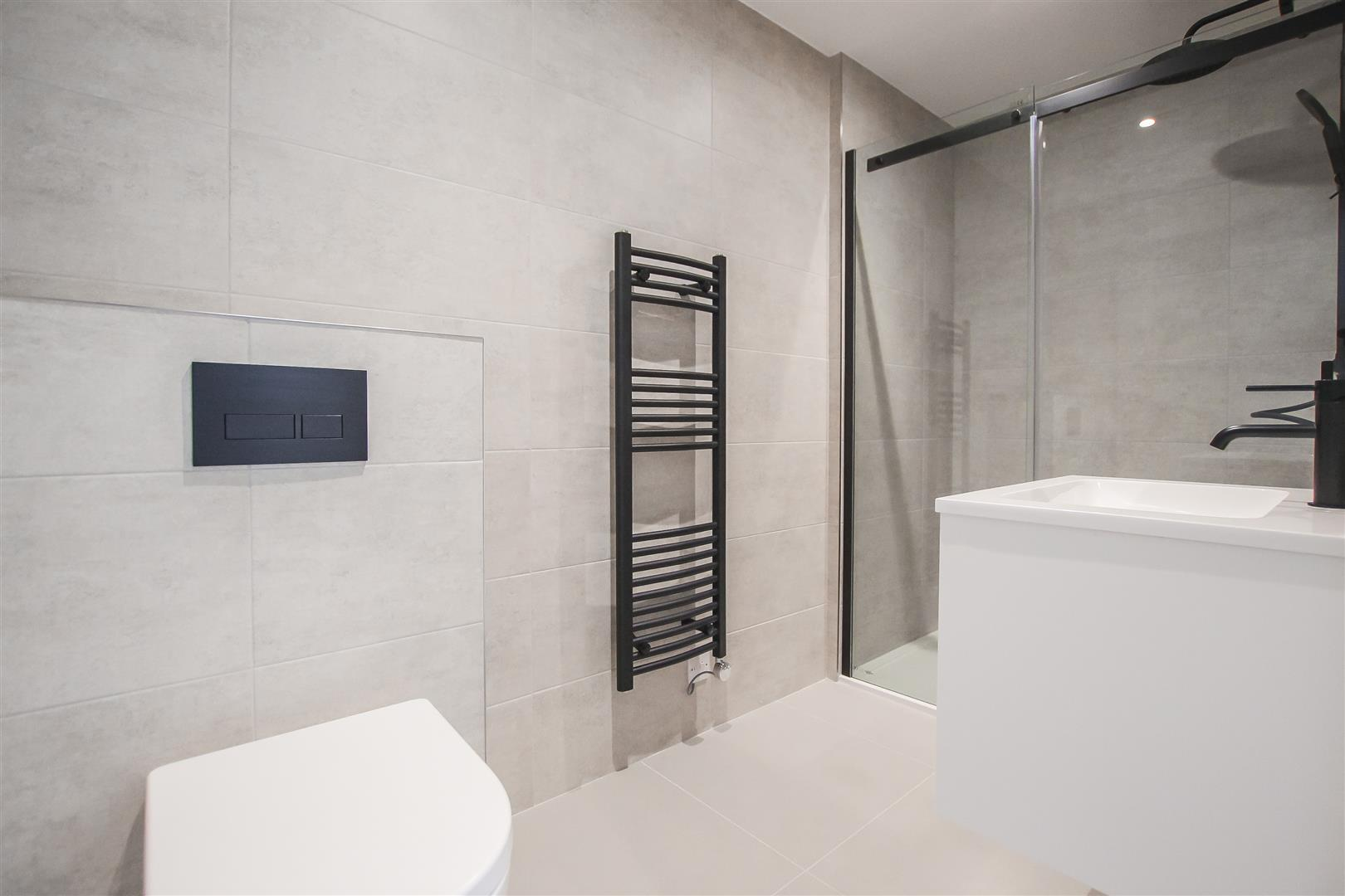 2 Bedroom Apartment For Sale - Image 21